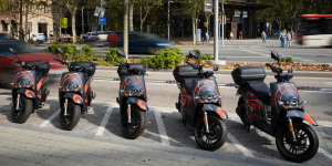 Seat Mó e-scooter sharing service kicks-off in Barcelona