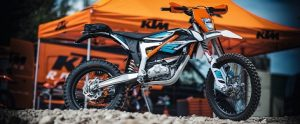 KTM's Electric Freeride Dirt Bike Delivers Instant Torque, Pure Joy